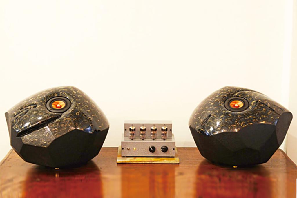 「Piedra Speaker (ピエドラスピーカー)」